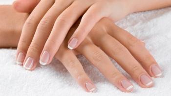 Как отбелить пожелтевшие ногти?