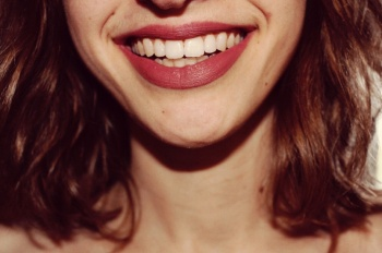 Как сохранить здоровые зубы: 5 простых правил