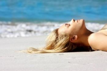 Защита волос на море