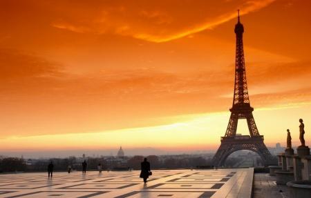Неделя моды В Париже. Долой занудные черные костюмы!