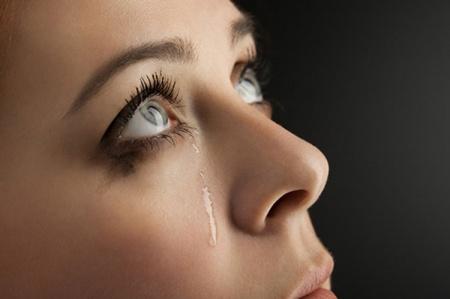 Что делать, если слезятся глаза?